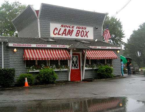 Ipswich Clam Box - Worth The Wait For Fried Clams!