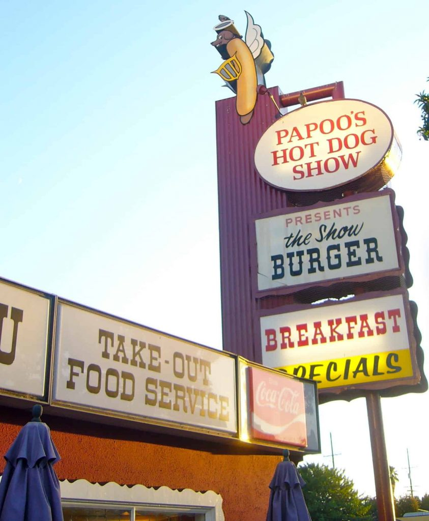 Papoo's Hot Dog Show - Burbank, CA Landmark Now Closed (Aug 2011)