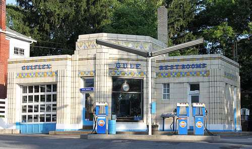 Beautiful Art Deco Gas Station, Bedford PA - Dunkle's Gulf