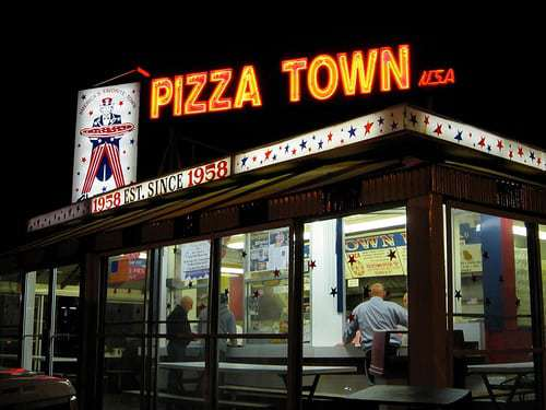 Pizza Town U.S.A.  Elmwood Park NJ - A Slice of Americana Just Off The Garden State Parkway