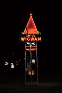 Wigwam-Village-Cave-City-Kentucky-Neon-Sign