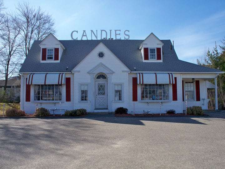 Furlong's Cottage Candies and Ice Cream, Norwood MA - A Sweet Route 1 Stop