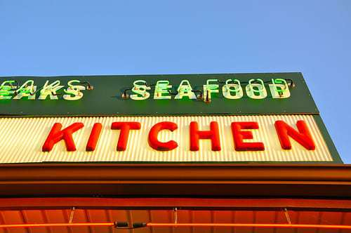 Southern Kitchen Restaurant - A Neon Beacon for Hungry Travelers
