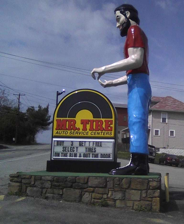 Muffler Man in Uniontown PA Spotted by Retro Roadmap Reader!