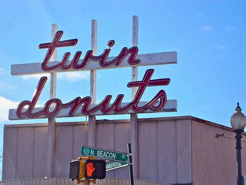 Twin Donuts - Vintage Inspired Fun with the Retro Road Kids! Boston Suburbs Edition
