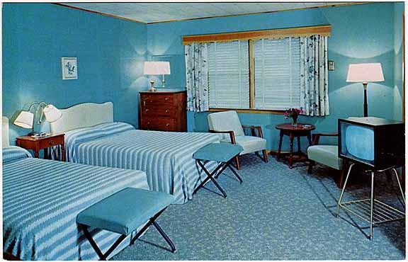 Heidis Inn Brewster NY Vintage Postcard Room Ineterior