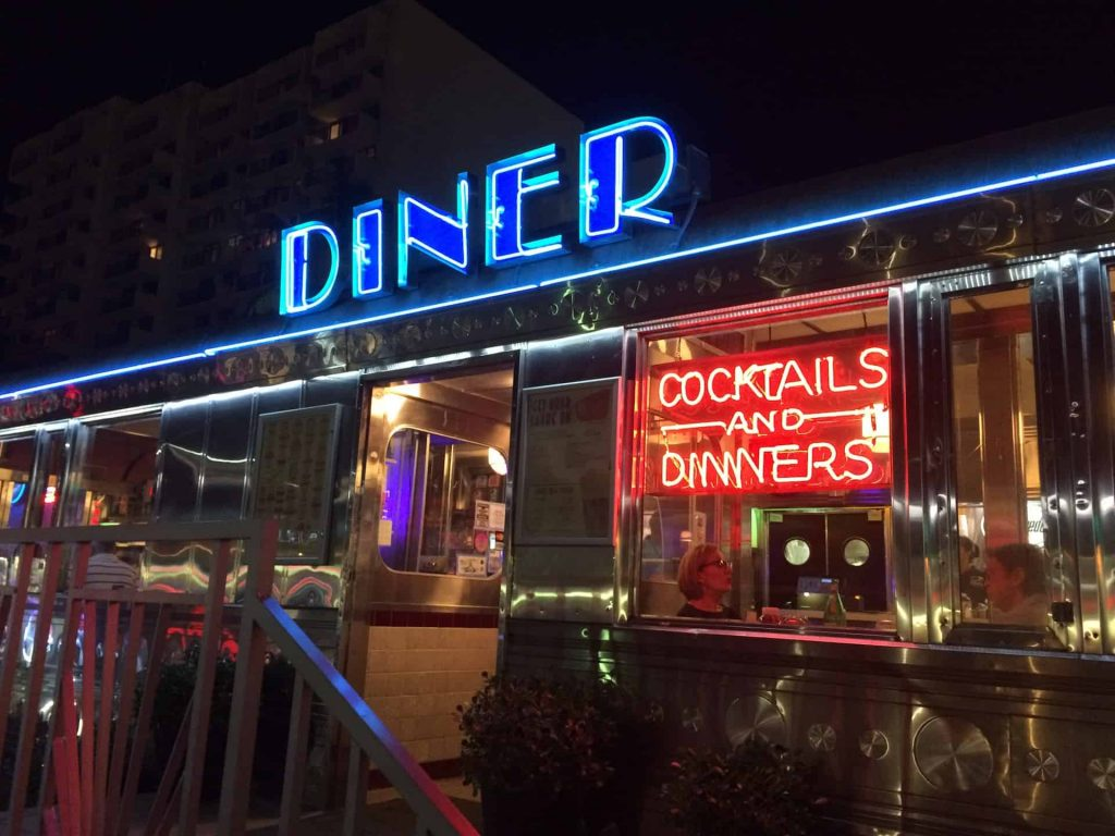 Art deco dining at the 11th street diner miami beach fl for Diner artwork
